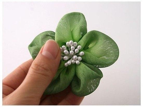 Цветы из атласных лент своими руками для