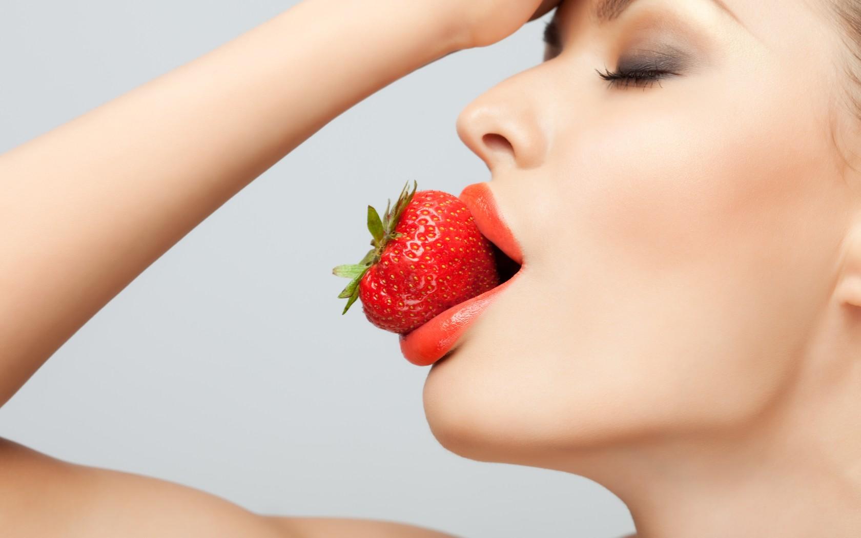 Самый красивый женский рот фото 13 фотография