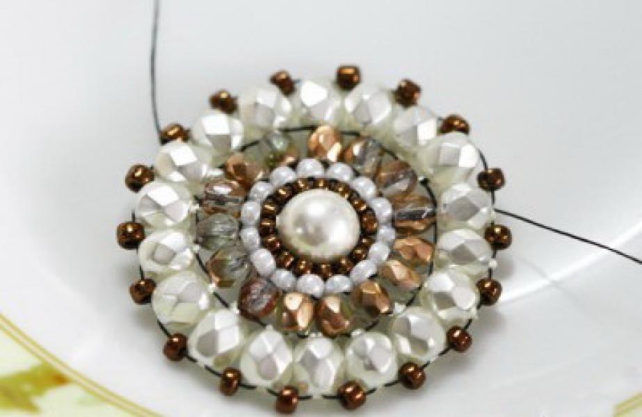 Легкие и красивые браслеты из бисера своими руками скачать.