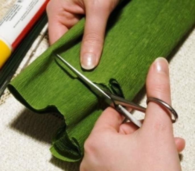 Листья папоротника из гофрированной бумаги своими руками видео